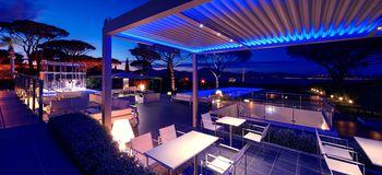 Projecten fueradentro exclusieve en luxe tuinmeubelen for Kube hotel london