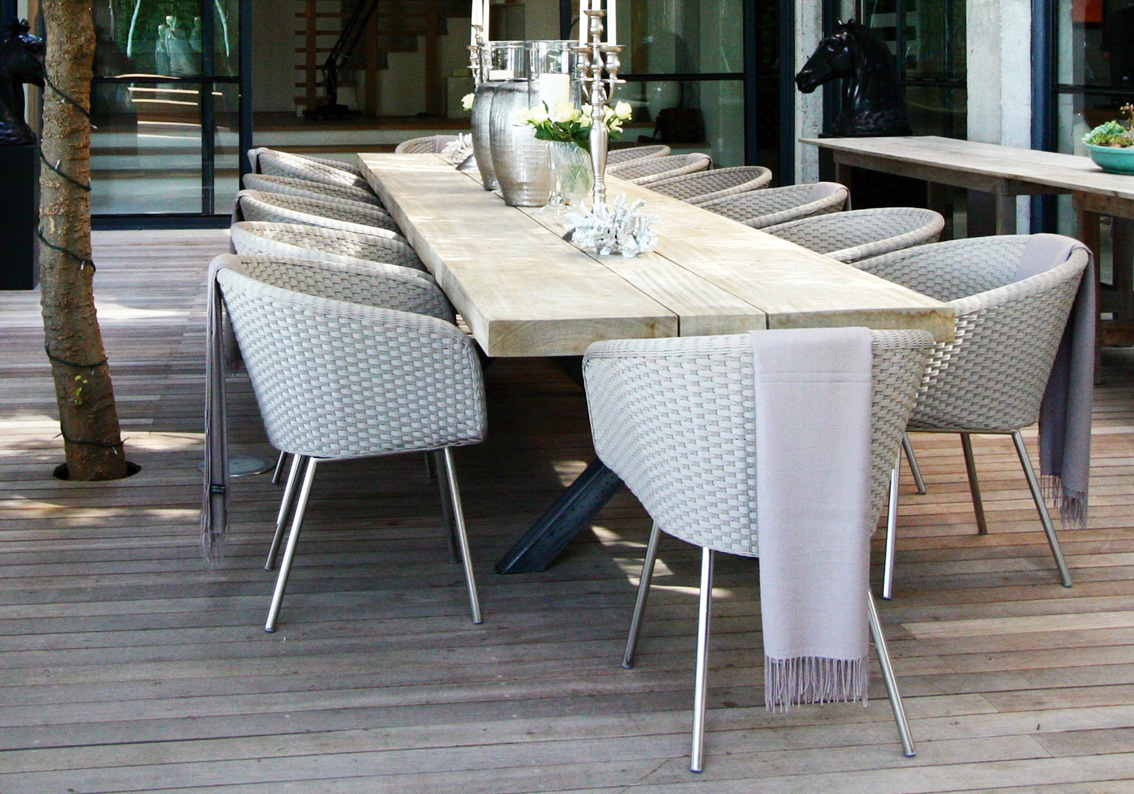 Shell chair shell collection fueradentro outdoor for Table et chaise moderne