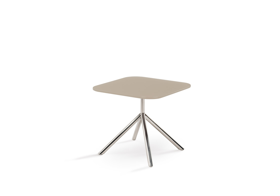 Jan Des Bouvrie Sidetable.Shell Side Shell Collection Fueradentro Outdoor Design